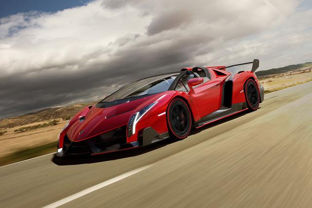 Lamborghini Veneno Roadster 2