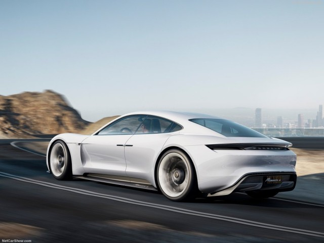 Porsche-Mission_E_Concept_2015_1024x768_wallpaper_03