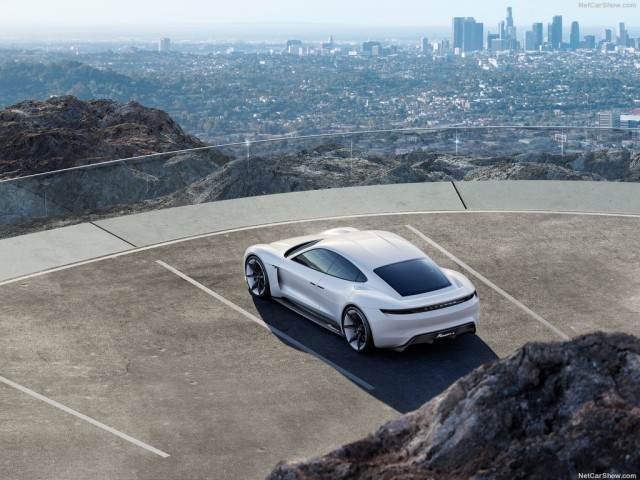 Porsche-Mission_E_Concept_2015_1024x768_wallpaper_04 (1)
